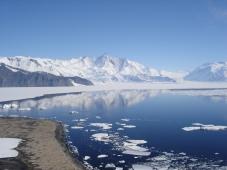 Mt_Herschel,_Antarctica,_Jan_2006.jpg